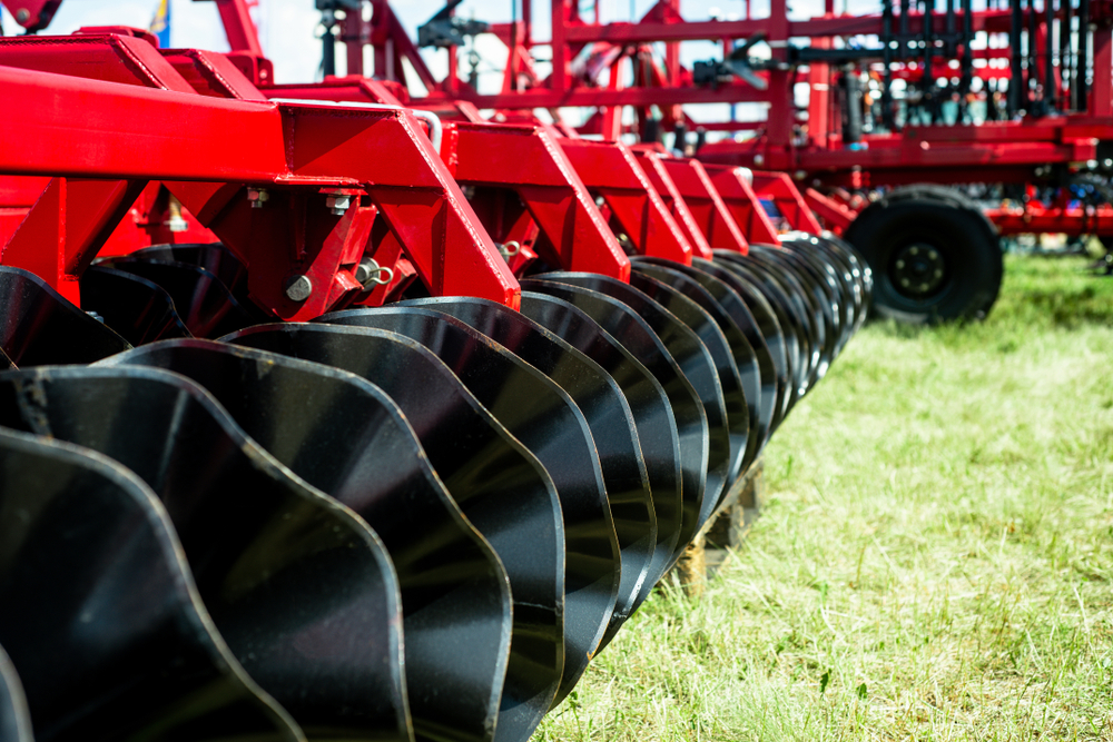 PARTS OF INTERCHANGEABLE AGRICULTURAL EQUIPMENT